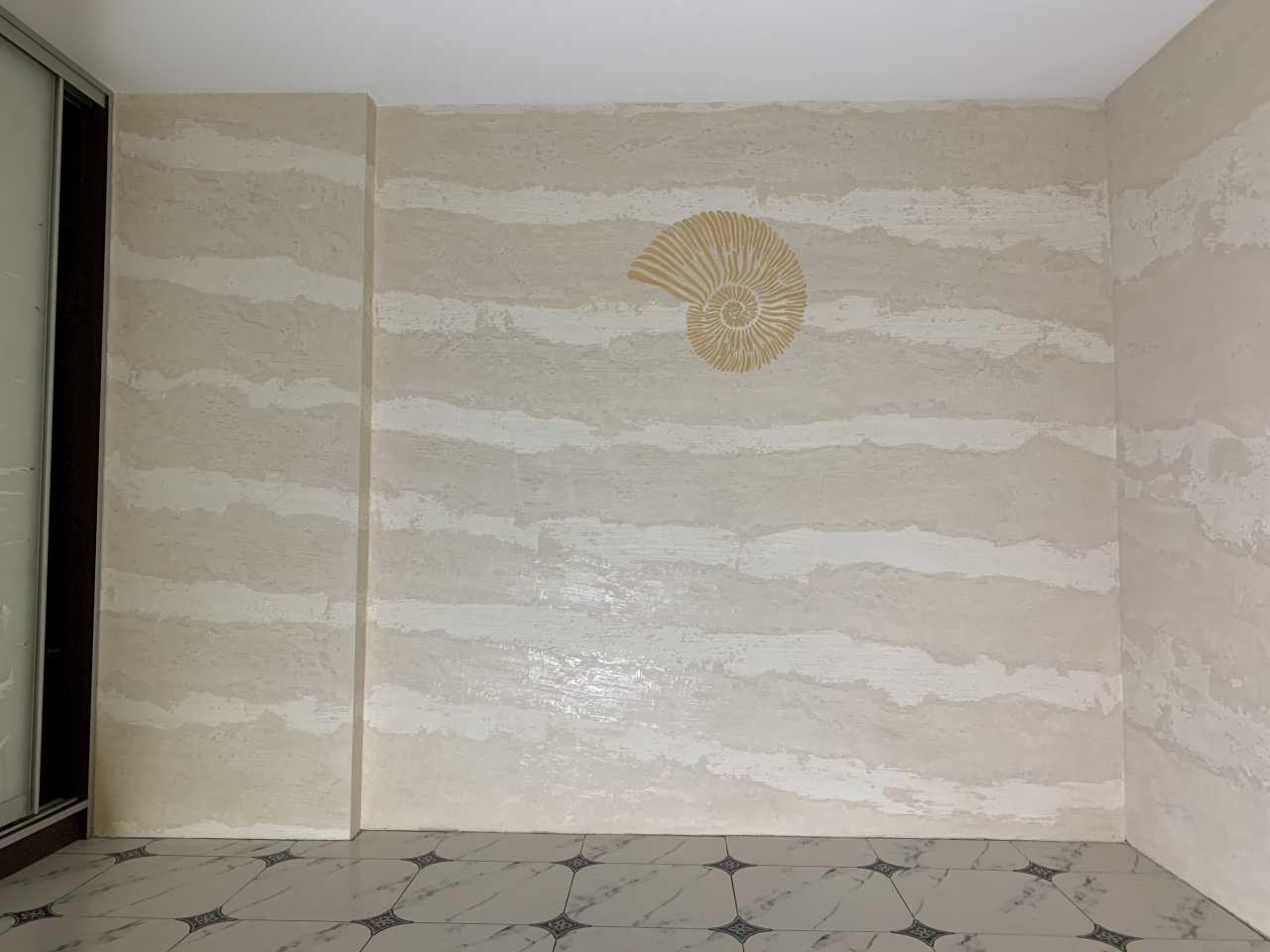 Акцентная стена в комнате отдыха, Новороссийск - Rivedil DecorFondo+Travertino(fino)+HydroFinish Opaco R